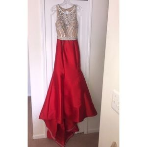Red Jovani Trumpet Gown Size 4